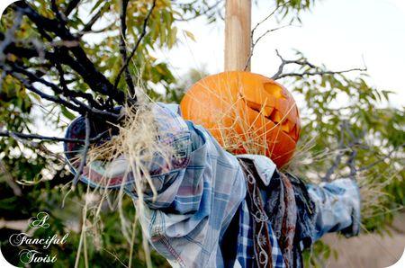 Happy Halloween Scarecrow 4