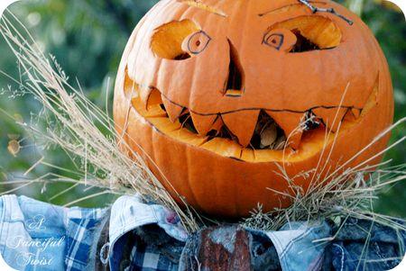 Happy Halloween Scarecrow 6