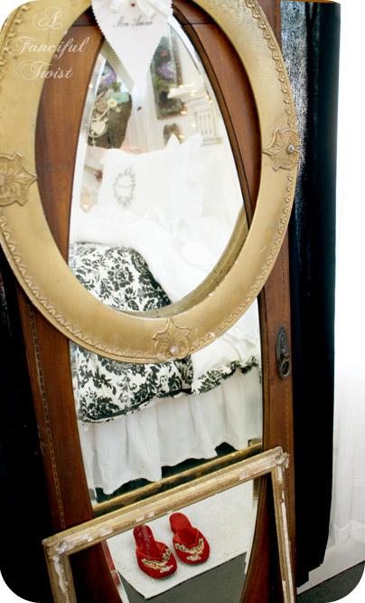 Vanessa Valencia Country House Bedroom 19