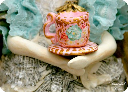 Francesca Rosette Bumble Bee Garden and the giant tea cup 5