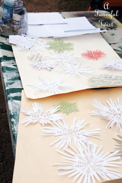 Paper snowflakes 17a