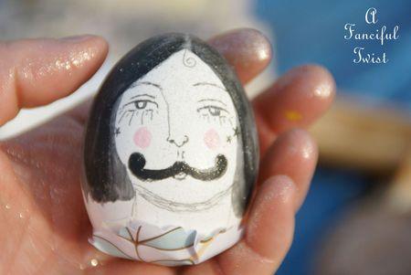 Arty egg 22a