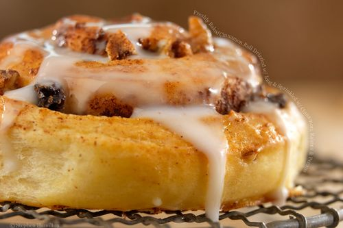 Cinnamon-rolls-icing-pecans-raisins
