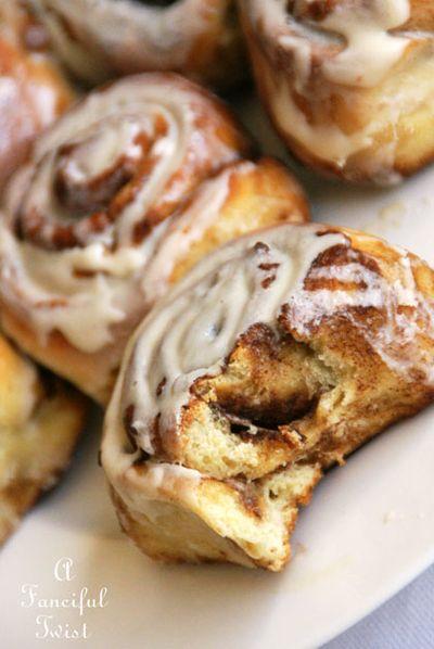 Cinnamon rolls 4
