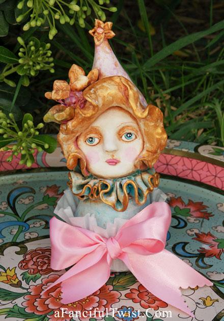 Francesca Blossom Cream Cakelette 2