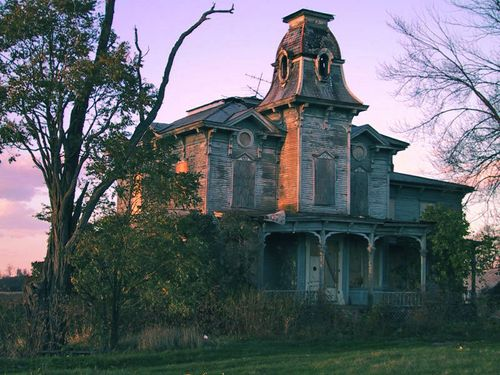 Haunted House From Ttlg Dot Com