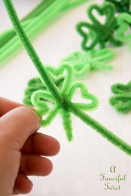 Pipe cleaner rings 26