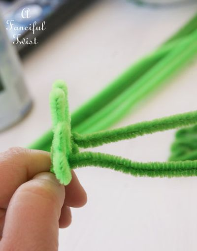 Pipe cleaner rings 27