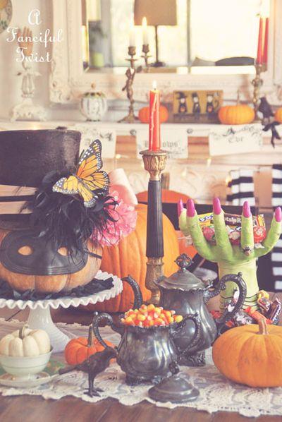 Halloween decorating 3