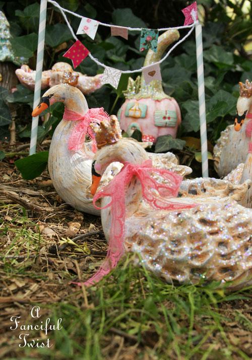 Swan parade 4