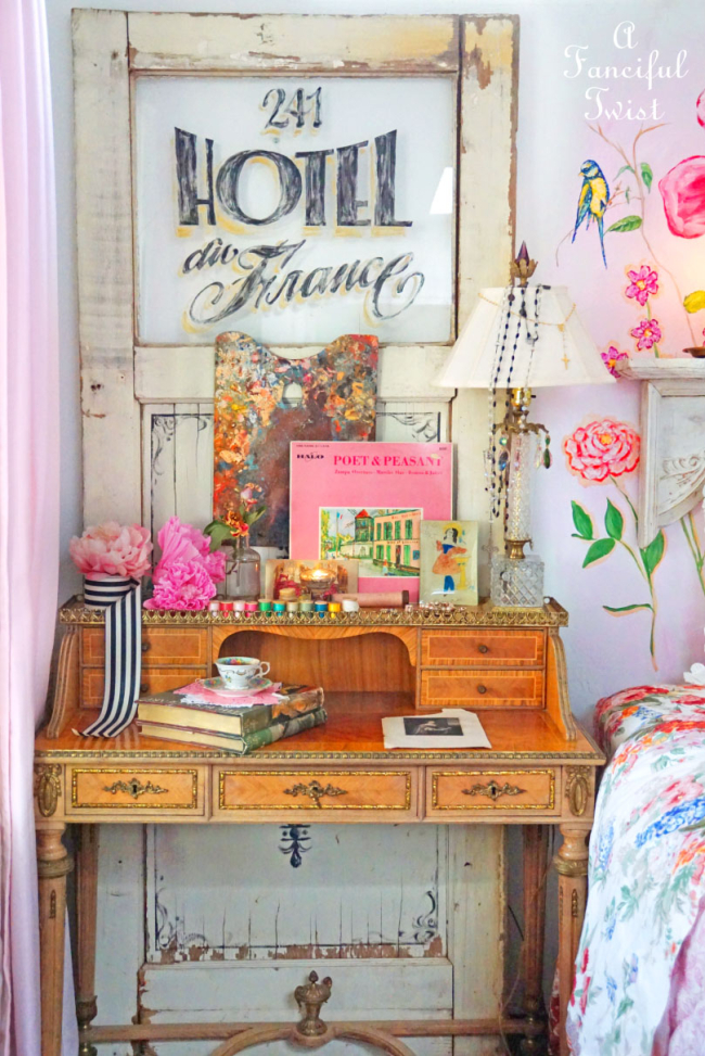 Of Flower Walls & Vintage Things