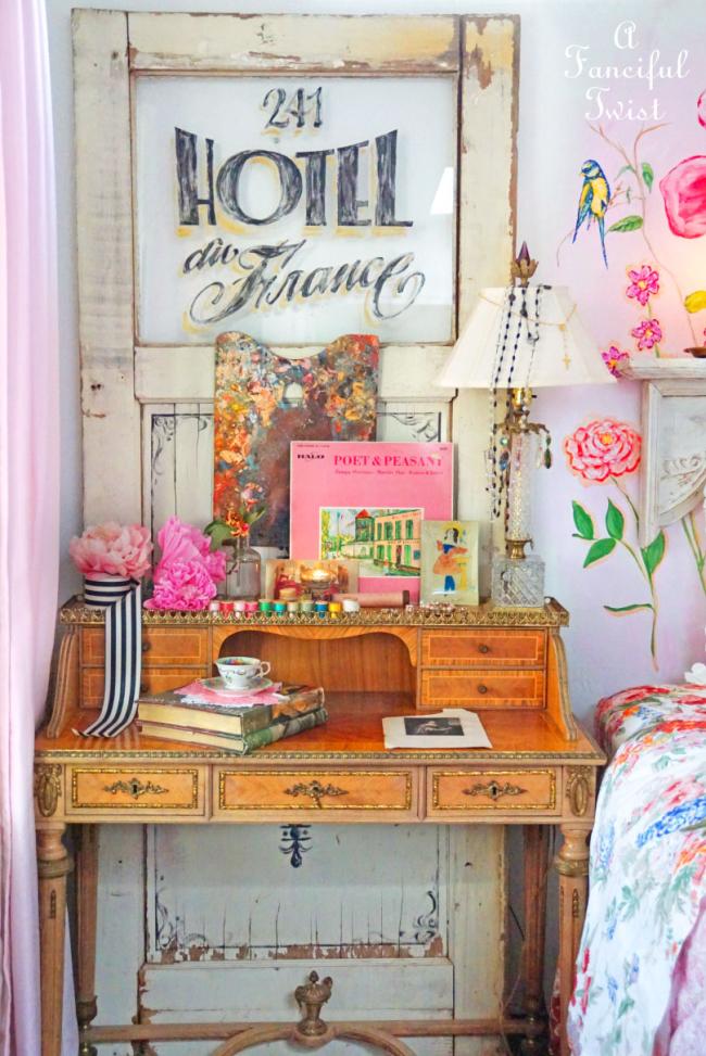 Of Flower Walls & Vintage Things