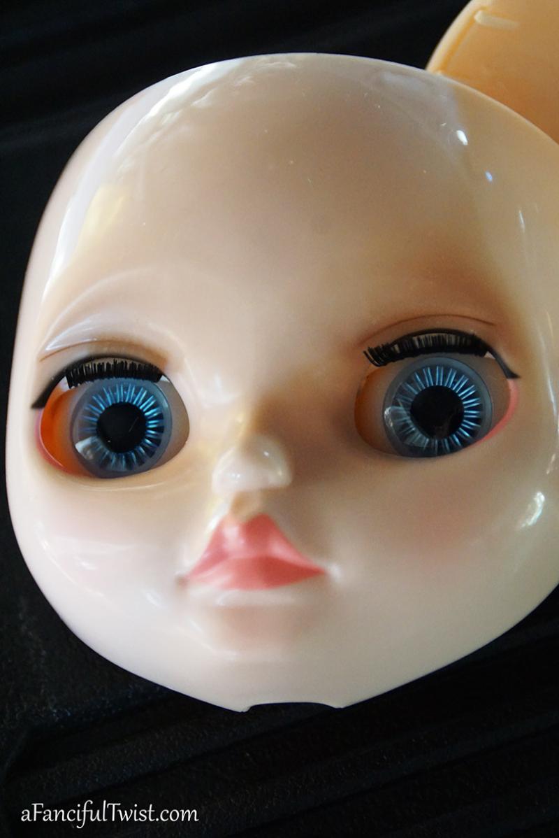 Whimsical blythe doll 17