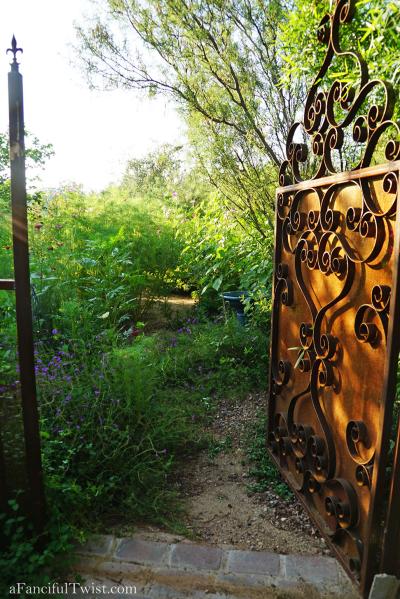 Thumbelina garden 4
