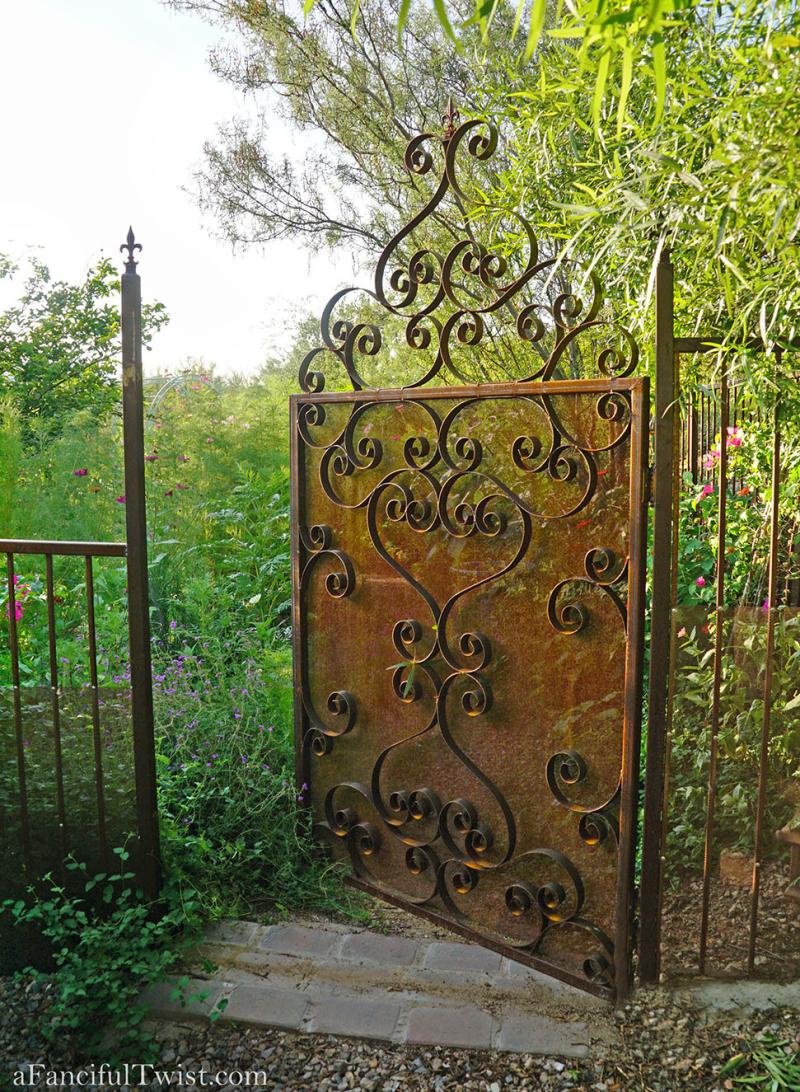 Thumbelina garden 12