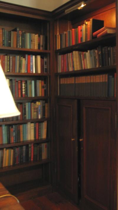Library_passage_way