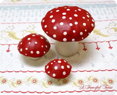 Mushroom_trio_top