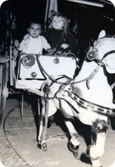 Kids_on_carousel