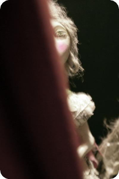 Behind_the_curtain_5