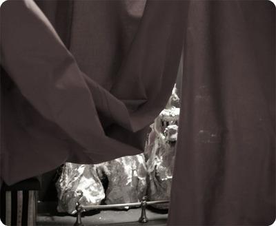 Behind_the_curtain_6_2