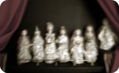 Behind_the_curtain_7