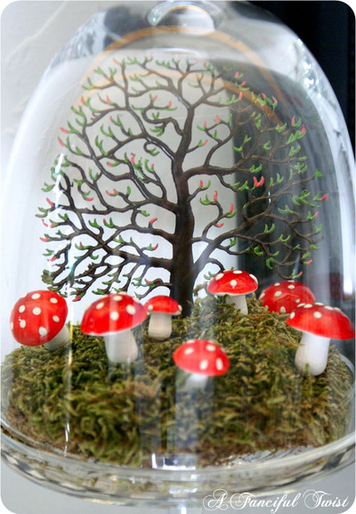 Bell_jar_with_fungi